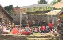 Dübörög a kultúra a Művészetek Völgyében