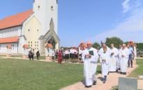 Felavatták a semjénházi Szent Anna templomkertet
