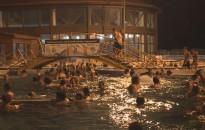 Éjszakai fürdőzésre várják pénteken a strandolni vágyókat Zalakaroson
