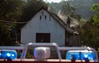 Kigyulladt egy családi ház Újudvaron