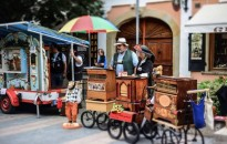 Ismét verklisekkel telik meg hétvégén Keszthely belvárosa