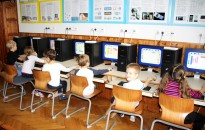 Maruzsa: százezer informatikai eszköz érkezett az iskolákba