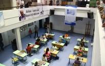 Kreativitás és taktika – elkezdődött a fiatalok sakkversenye