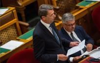 Cseresnyés: a kormány a kis- és közepes vállalkozások támogatására fekteti a hangsúlyt