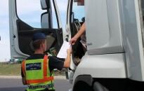 Autóbuszokat és teherautókat ellenőriz a rendőrség a jövő héten