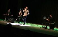 Bereczki Zoltán adott akusztikus koncertet a HSMK-ban