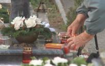 Vigyázni kell a mécsesekkel, gyertyákkal a temetőkben és az otthonokban