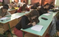 Próbanyelvvizsgát tartottak a Mező-gimnáziumban