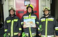 Minden Zala megyei tűzoltóság kapott egy olajfestményt