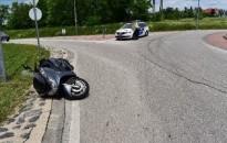 Súlyosan megsérült egy motoros 14 éves utasa Hévízen