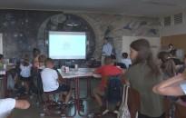Kreatív formában, csúcstechnológiákkal találkozhatnak az iskolások az egyetem táborában
