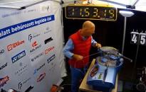 Magyar Guinness-rekord teniszütő húrozásban