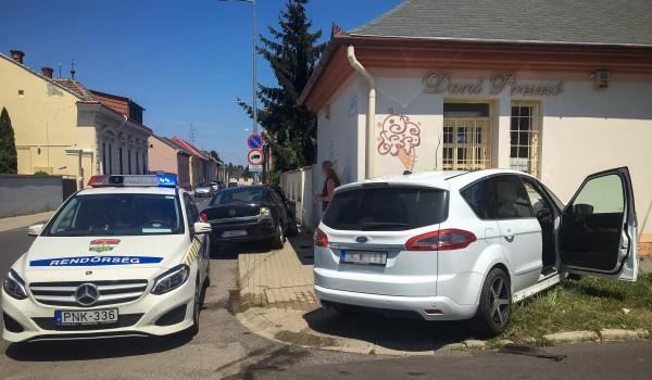 Baleset történt kora délután a belváros közelében