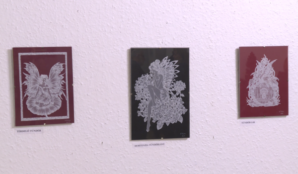 Tavaszváró papírcsodákból nyílt kiállítás