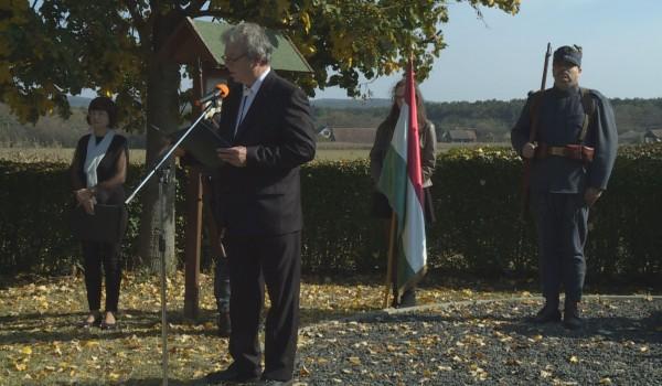 Megemlékeztek a hős elődökről Lovásziban