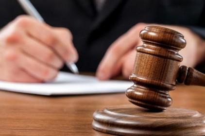 """Hétfőn a vádlottak padjára ül a kanizsai Zs. Zs., aki pofonok """"segítségével"""" akarta visszaszerezni a pénzét"""