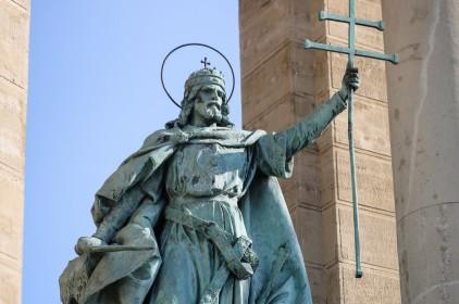 Plébániai kormányzó: politikai, vallási és társadalmi értelemben is Szent István alapította meg Magyarországot