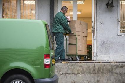 A Posta 14 százalékkal több csomagot kézbesíthet az idén