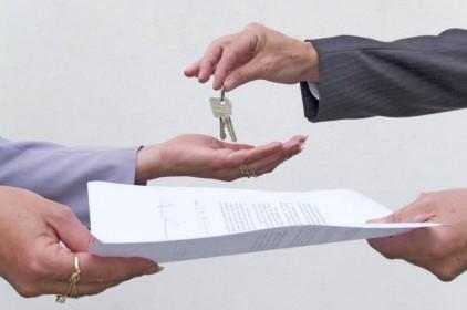 A bíróság szerint az ingatlanközvetítő kizárólagos megbízása esetén is értékesítheti ingatlanát a tulajdonos