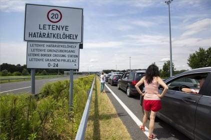 Torlódás az M7-es autópályán, a magyar-horvát határszakaszon
