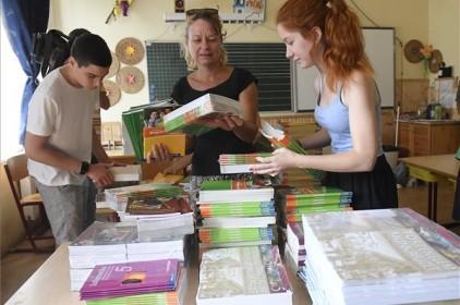 Augusztus végéig megérkeznek a tankönyvek az iskolákba